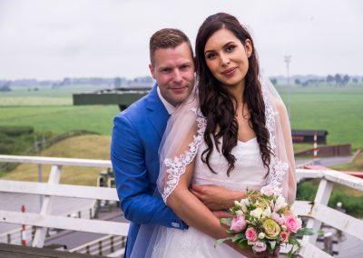 www.gansfotografie.nl wedding garnwerd aan zee boot, molen ,water Groningen-2446